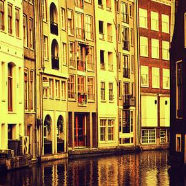 Jenny Rainbow - Golden Hour in Amsterdam
