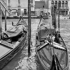 Georgia Fowler - Gondolas by the Rialto in Mono