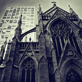 Jessica Jenney - Gothic Perspectives