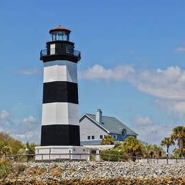 Governor's Lighthouse by Lorraine Baum
