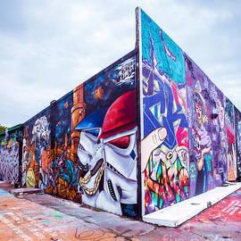 Sonja Quintero - Graffiti Kings