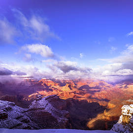 Louloua Asgaraly - Grand Canyon in Winter At Sunset Time