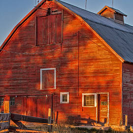 Grand Old Barn by Alana Thrower