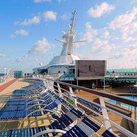 Grandeur of the Seas - Deck 10 by Arlane Crump