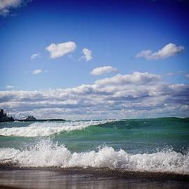 LuAnn Griffin - Great Lakes Waves