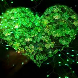 Green Clover Heart by Lisa Arbitrary