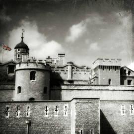 Brenda Conrad - Grunge Castle