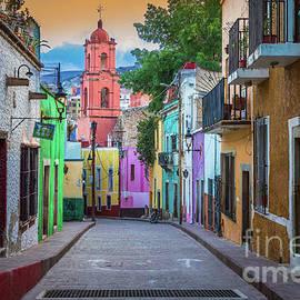 Guanajuato Backstreet by Inge Johnsson