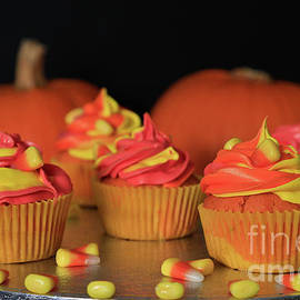 Tracy Hall - Halloween Candycorn Cupcakes