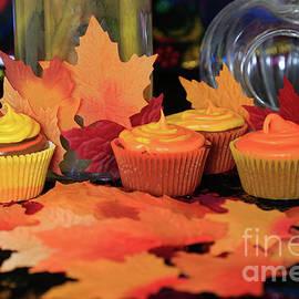 Tracy Hall - Halloween Cupcakes