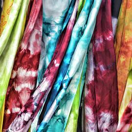 Sharon Popek - Hanging Color