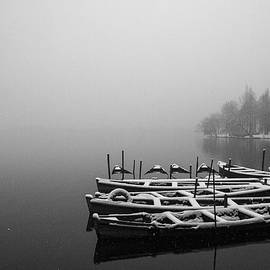Hangzhou's West Lake by Jed Holtzman