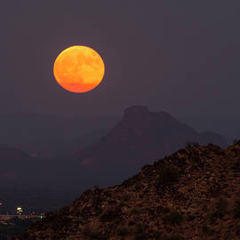 Cathy Franklin - Harvest Supermoon Rise With Red Mountain