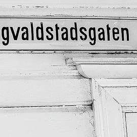 Haugvalstadsgaten 43 by Gary Karlsen