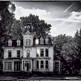 LeeAnn McLaneGoetz McLaneGoetzStudioLLCcom - Haunted Mansion