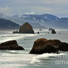 Haystack Rock-Cannon Beach by Scott Cameron