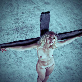 Ramon Martinez - HDR Crucified woman