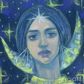 Julia Khoroshikh - Hecate