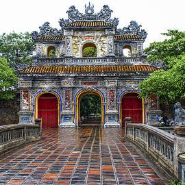 Venetia Featherstone-Witty - Hien Nhon Gate, Citadel, Hue,Vietnam