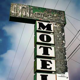 Bonnie Follett - Hillcrest Motel
