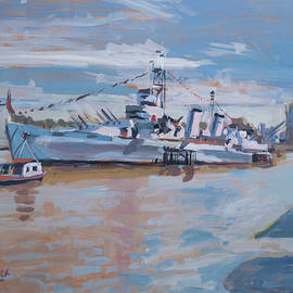HMS Belfast shows off in the sun by Nop Briex