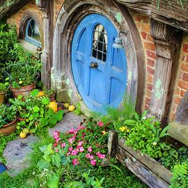 Venetia Featherstone-Witty - Hobbit Cottage and Garden