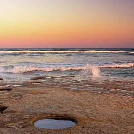Jukka Heinovirta - Hole In The Rocks