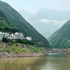Karen Regan - Home On The Yangtze River
