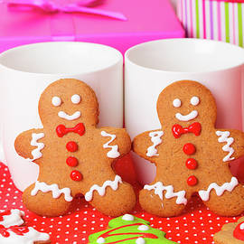 NadyaEugene Photography - Homemade Gingerbread Cookies, Christmas Holiday