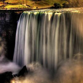 Horseshoe Falls Early Autumn No 03 by Roger Passman