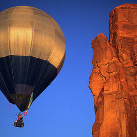 Bob Christopher - Hot Air Balloon Monument Valley 2