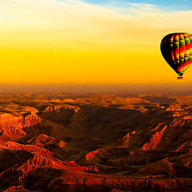 Mark E Tisdale - Hot Air Balloon Over Egyptian Valley of the Kings