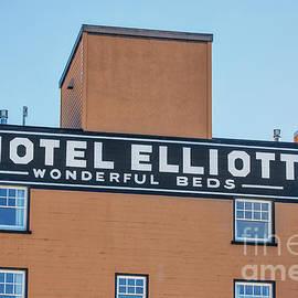Jerry Fornarotto - Hotel Elliott Wonderful Beds