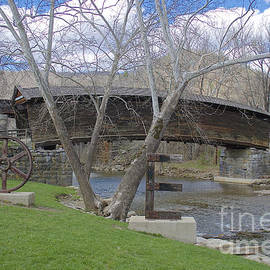 Lori Amway - Humpback covered bridge side view