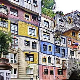 Lyuba Filatova - Hundertwasser House, Vienna, Austria
