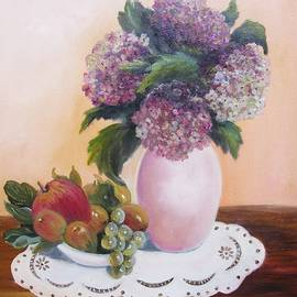 Vesna Martinjak -  Hydrangeas And Fruit