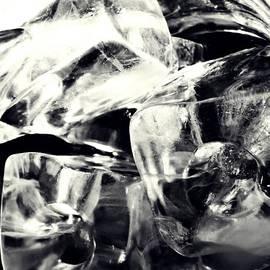 Sarah Loft - Ice Cubes