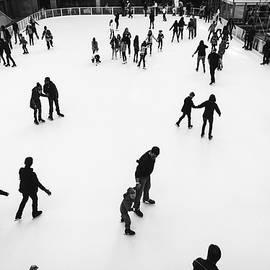 Javier Sanchez de la vina - Ice skaters