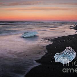 Iceland Beach Ice Sunset Motion - Mike Reid