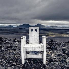 Edward Fielding - Iceland White Chair Wide
