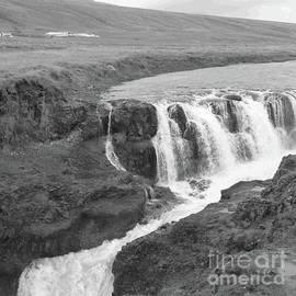 Barbie Corbett-Newmin - Icelandic Falls