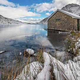 Adrian Evans - Icy Lake Snowdonia