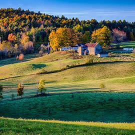 Jeff Folger - Idyllic Vermont farm on a hill