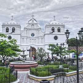 Totto Ponce - Iglesia Ciudad Vieja HDR 2