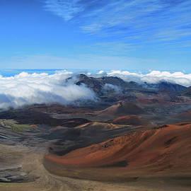 In The Clouds - Hawaii by Bob Slitzan
