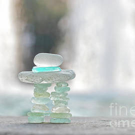 Charline Xia - Inukshuk Sea Glass With Light and Water