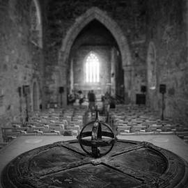 Ray Devlin - Iona Abbey Interior