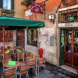 Irish Pub in Venice Italy_DSC4579_03032017 by Greg Kluempers