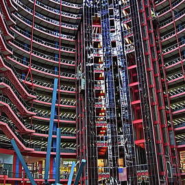 James R. Thompson Center by Lyuba Filatova