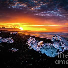 Jokulsarlon Diamonds on the Beach - Mike Reid